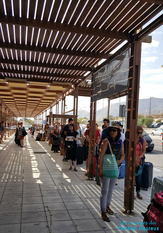 File d'attente à l'aéroport de Santorin