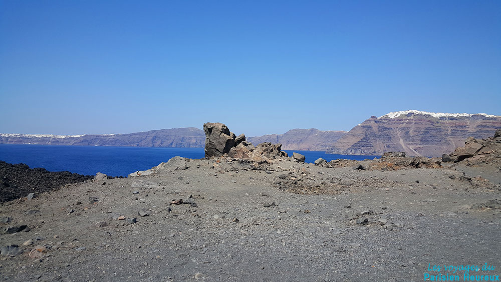 Néa Kaméni, l'île volcanique de Santorin