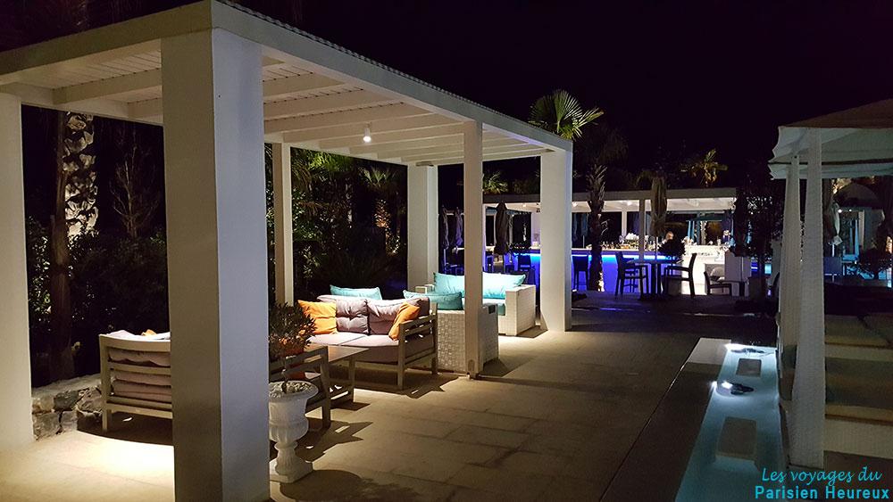 Terrasse de l'hôtel Aurora Luxury Hotel & Spa à Santorin