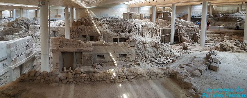 La cité antique d'Akrotiri à Santorin en Grèce