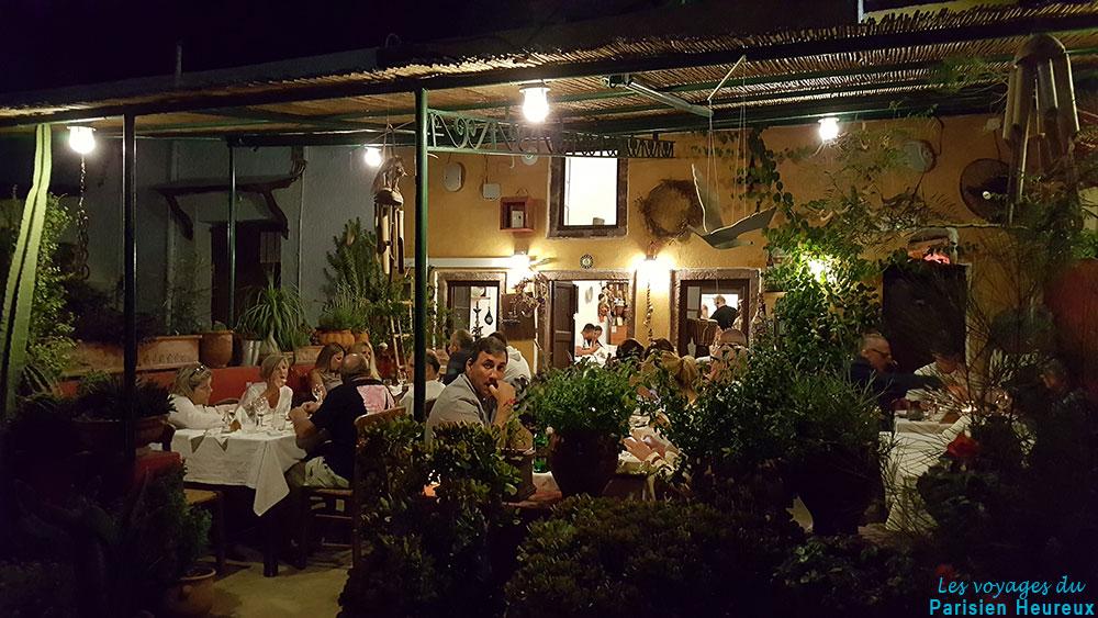 Restaurant Metaxi Mas à Exo Gonia à Santorin