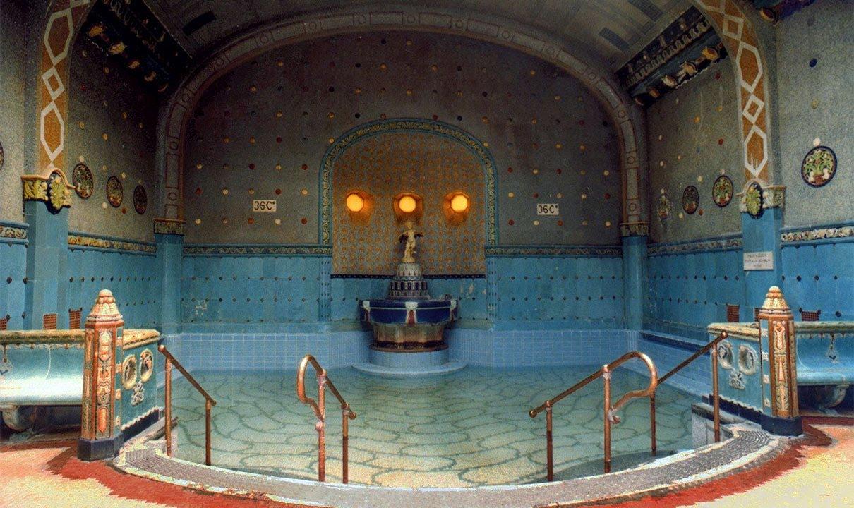 Les bains thermaux Gellért à Budapest