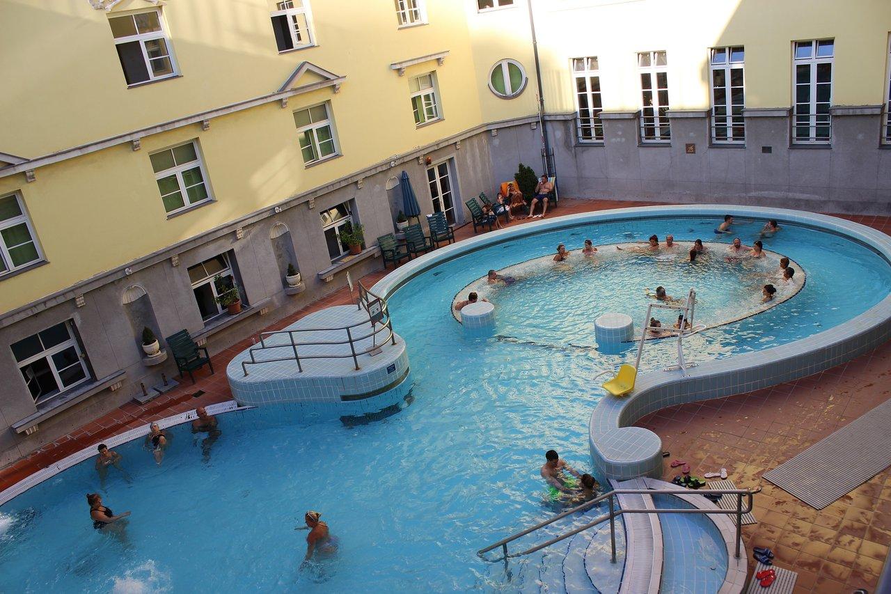 Les bains thermaux Lukács à Budapest