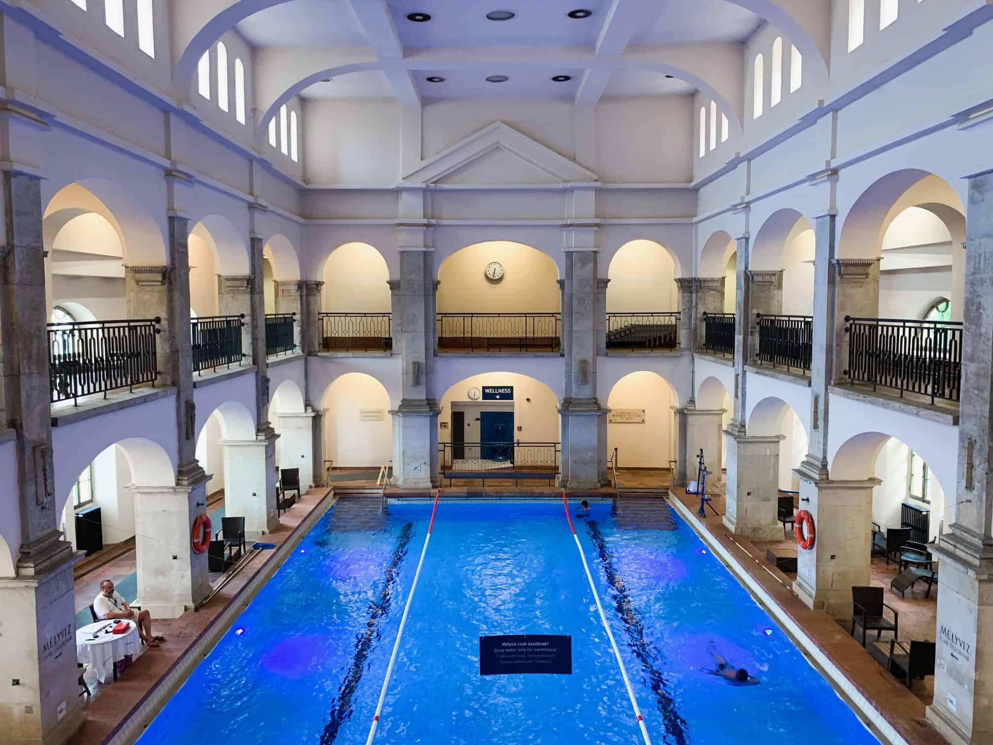 Les bains thermaux Rudas à Budapest