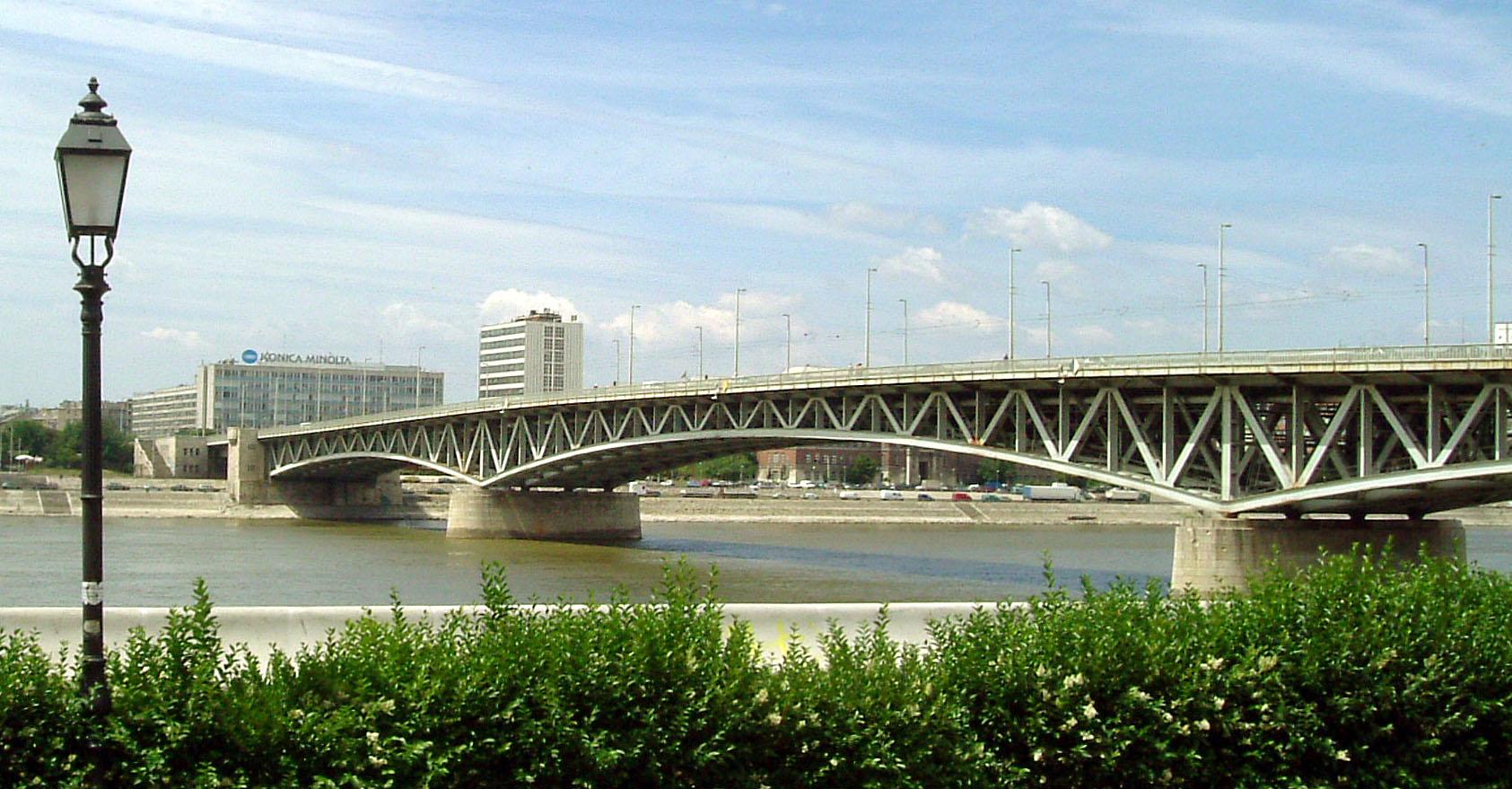Le pont Petőfi à Budapest