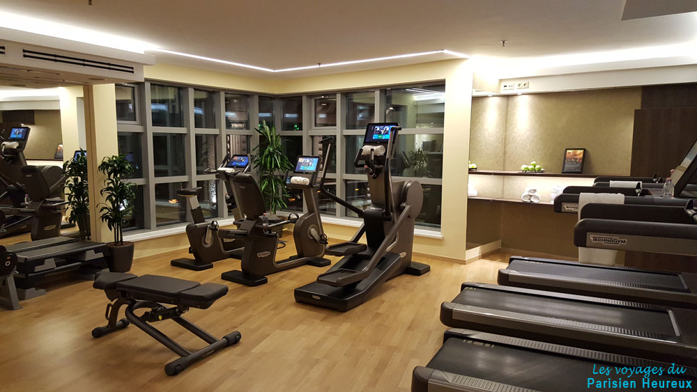La salle de sport de hôtel Kempinski Corvinus de Budapest