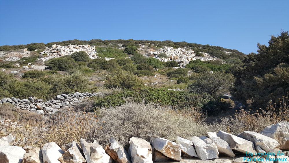 Les anciennes carrières de marbre de Paros