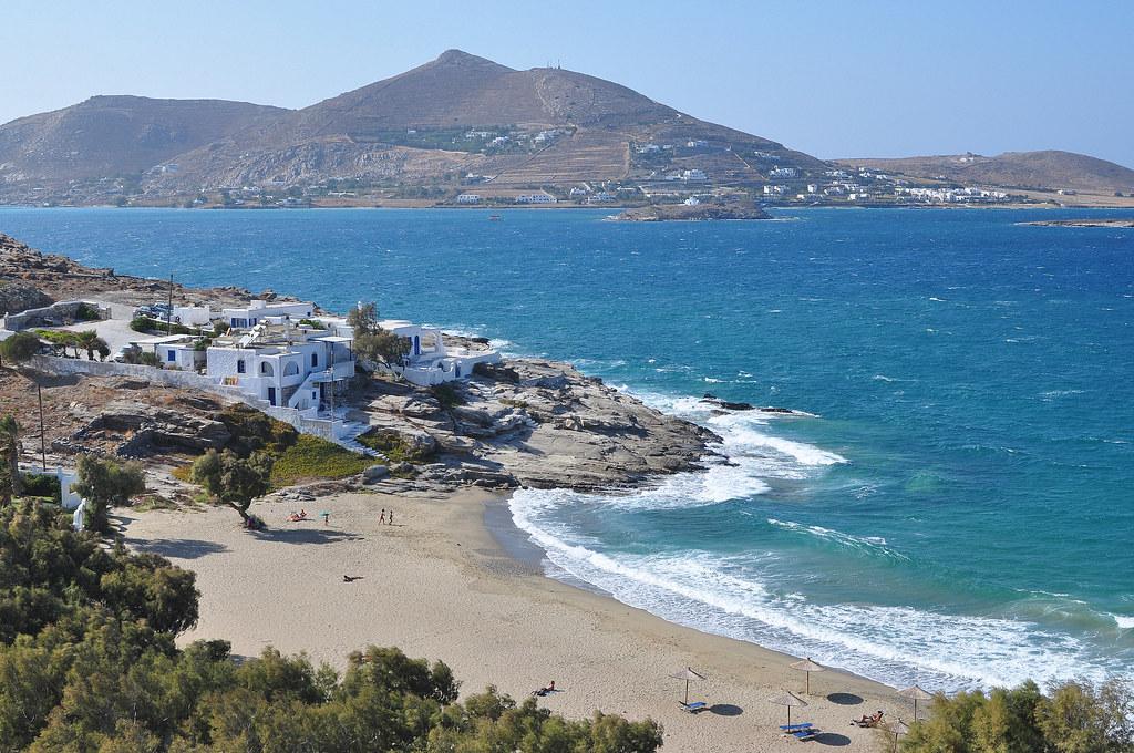 La plage de Piperi à Paros