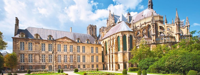 La cathédrale Notre-Dame de Reims et le palais du Tau