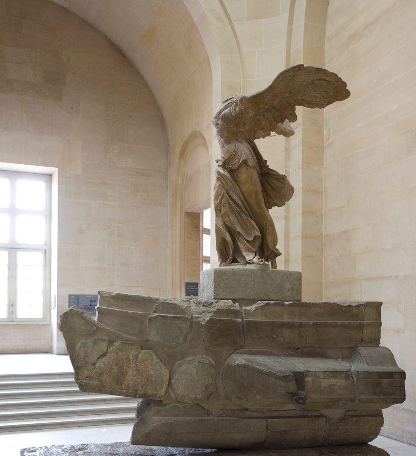 Victoire de Samothrace en marbre de Paros