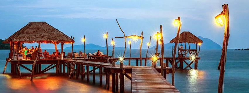 Dîner sur une île en Thaïlande