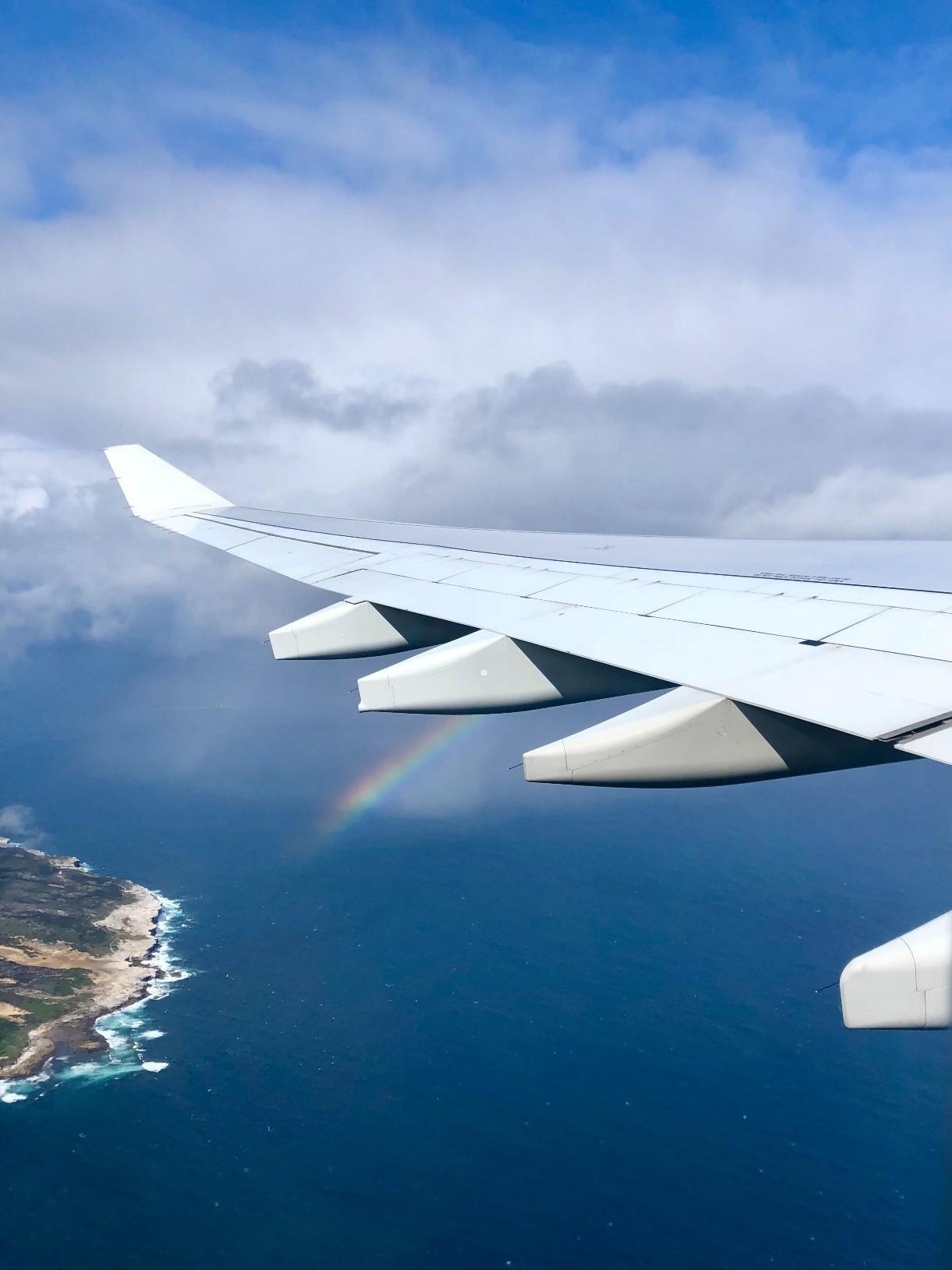 Avion à Santorin